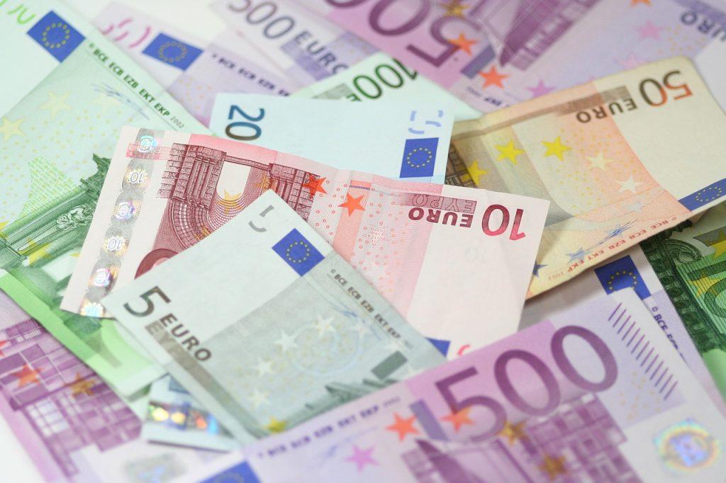 argent à disposition